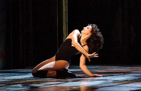 Vanessa Hamilton-Barritt in 'Flashdance the Musical'